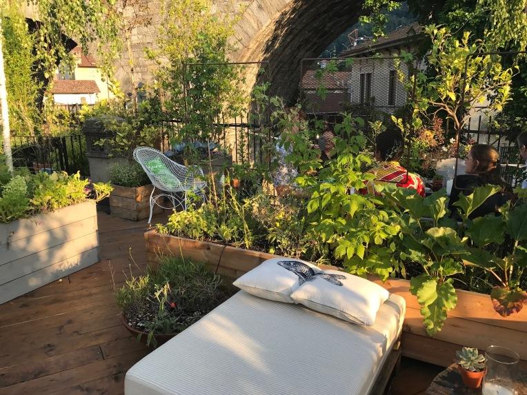 """Figli dei fiori"""", originale bistrot green in Via Borgo Vico – Il ..."""